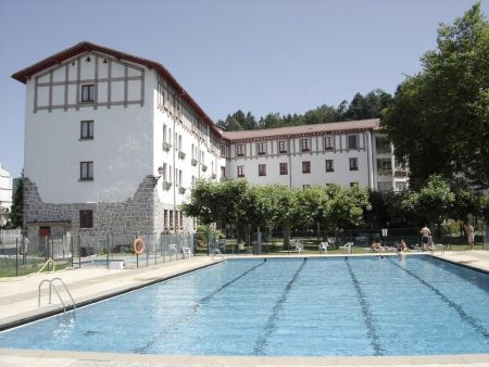 ayestaran piscina