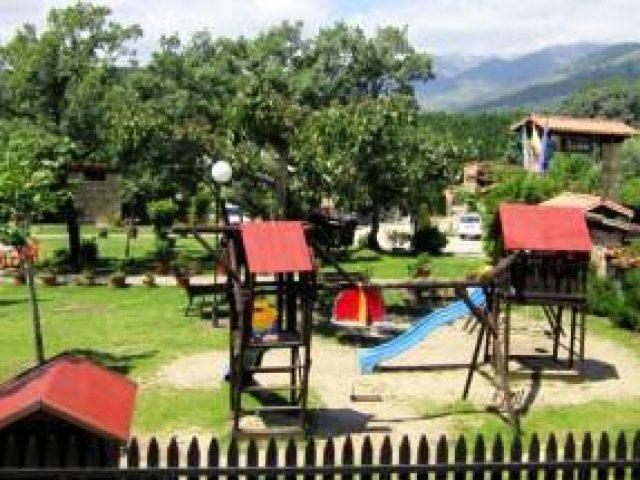 Camping La Mata, bungalows (Madrigal de la Vera, Cáceres)